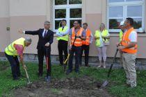 Rozpoczęcie budowy hali sportowej